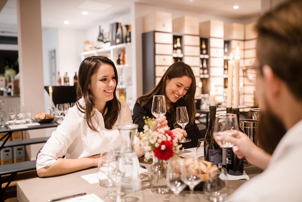 Wein soweit das Auge reicht: WEIN-MOMENT - re.flect Stuttgart
