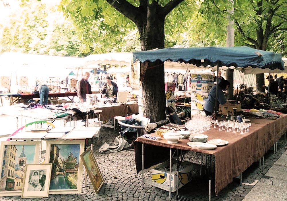 flohmarkt im fr hling rund um den markt schiller und karlsplatz stuttgart. Black Bedroom Furniture Sets. Home Design Ideas