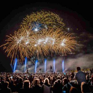 Das internationale Feuerwerkfestival: Flammende Sterne – re.flect Stuttgart
