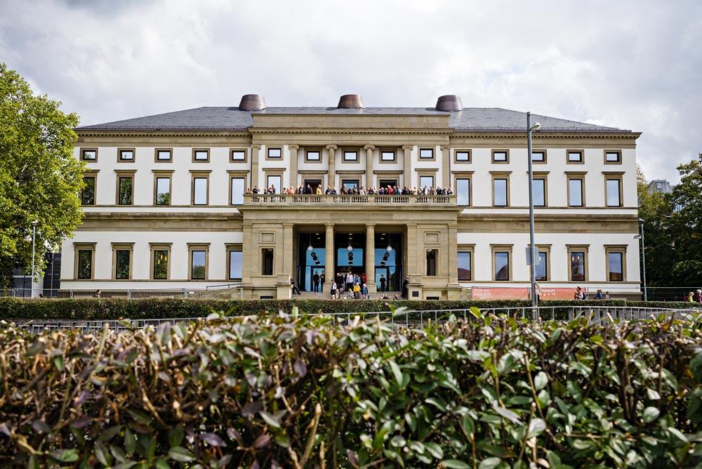 WELCOME TO THE STADTPALAIS - re.flect Stuttgart