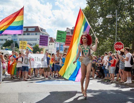 CSD Stuttgart reflect Mut zur Freiheit