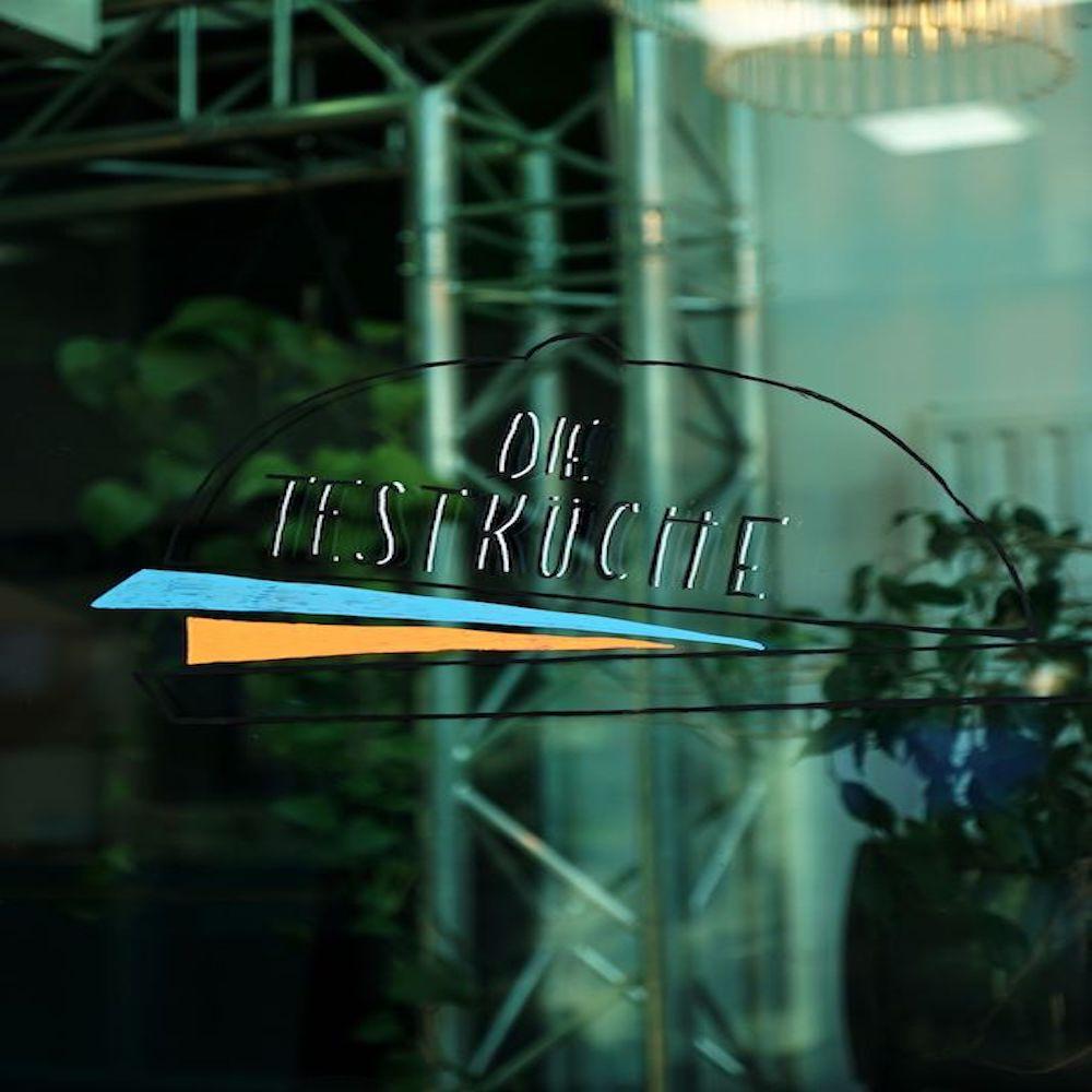 Das Logo der Testküche im Café Klotz
