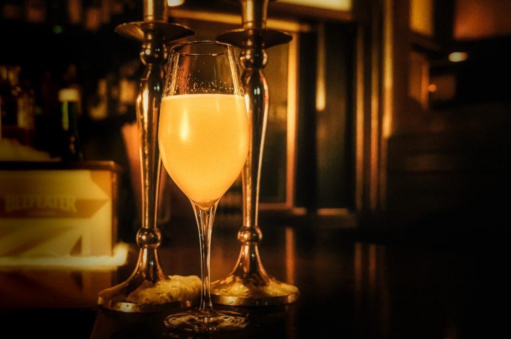 cocktailskurs_schwarz weiss bar